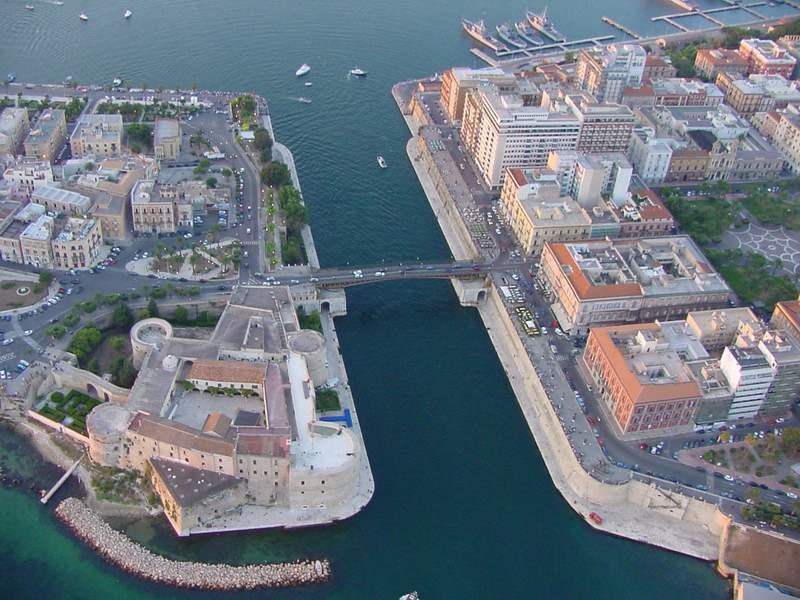Taranto 6 - Hotel Akropolis